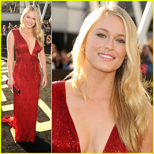 Leven Rambin: 'The Hunger Games' Premiere