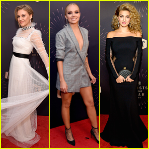 Kelsea Ballerini Joins Danielle Bradbery & Tori Kelly at CMT Artists of the Year 2018