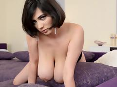 Solo scene with awesome brunette Luna Amor porn tube video