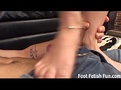 I will give you the footjob you have been dreaming of