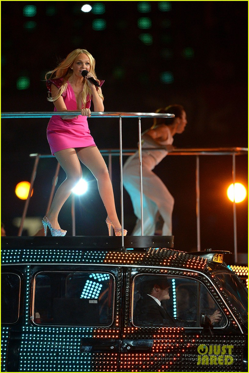spice girls olympic closing ceremony 152700904