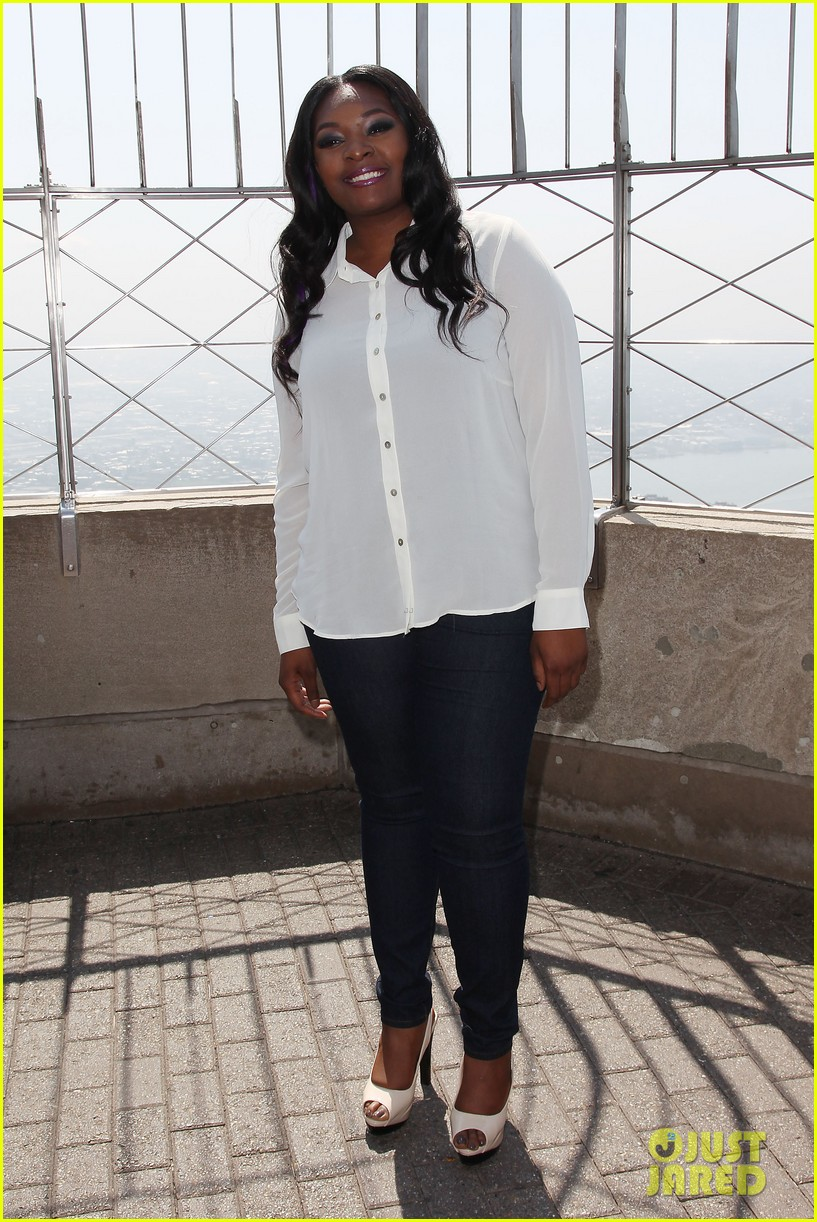 american idol winner candice glover visits empire state building exclusive quotes 032875591