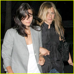 Jennifer Aniston & Courteney Cox: Fleetwood Mac Mates