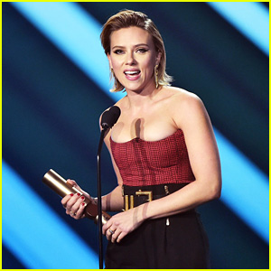Scarlett Johansson Dedicates People's Choice Award Win to the Armed Forces - Watch!